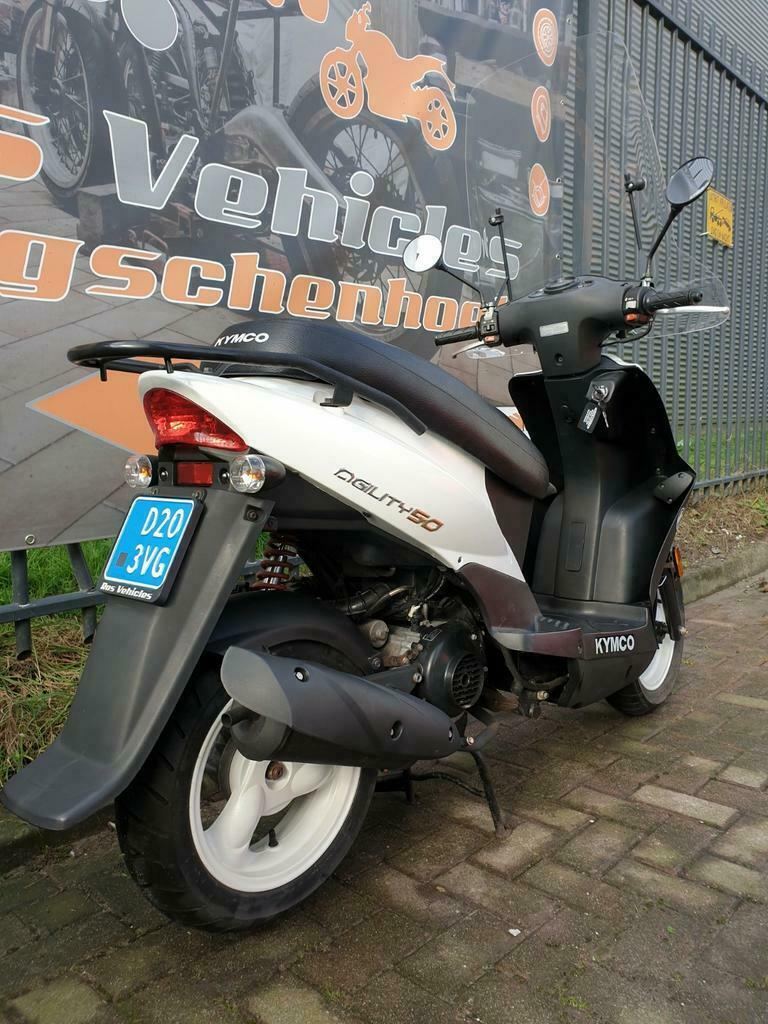 Kymco Agility 12 inch Snorscooter-5