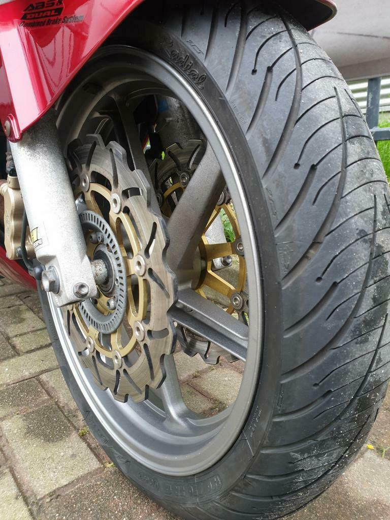 Honda VFR 800 A-6 ABS en Dual Combined Brake Systeem-10
