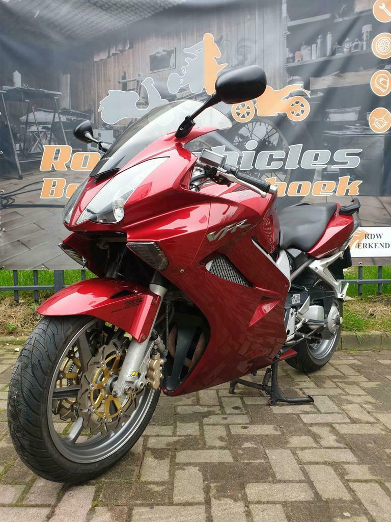 Honda VFR 800 A-6 ABS en Dual Combined Brake Systeem-1
