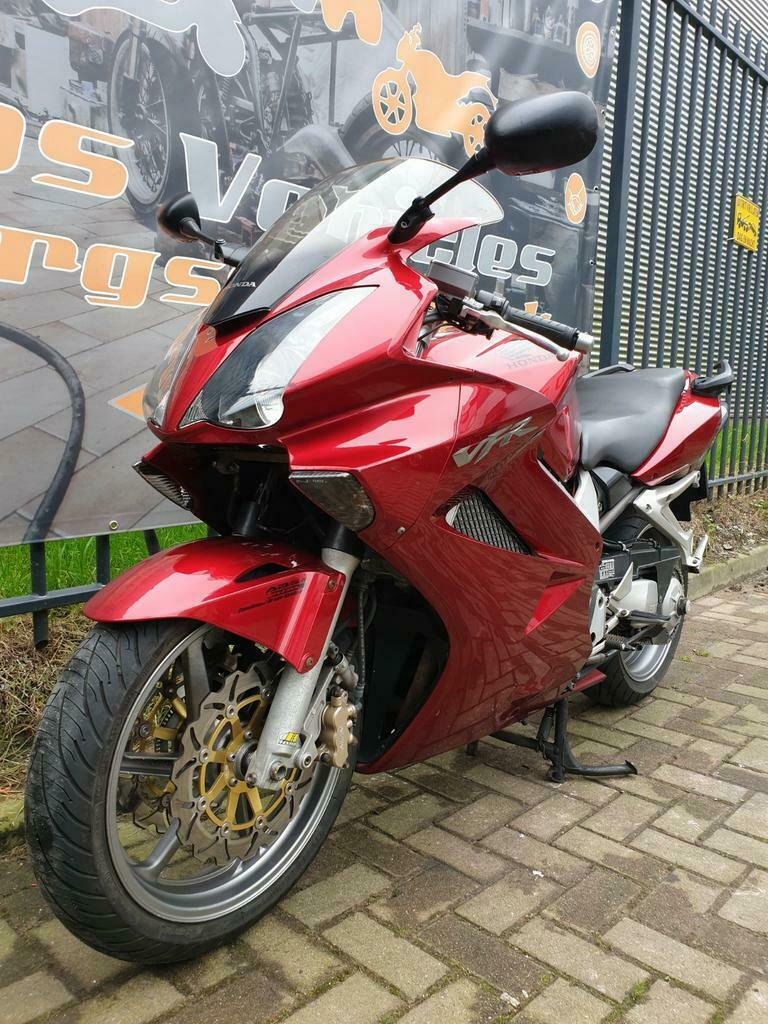 Honda VFR 800 A-6 ABS en Dual Combined Brake Systeem-3