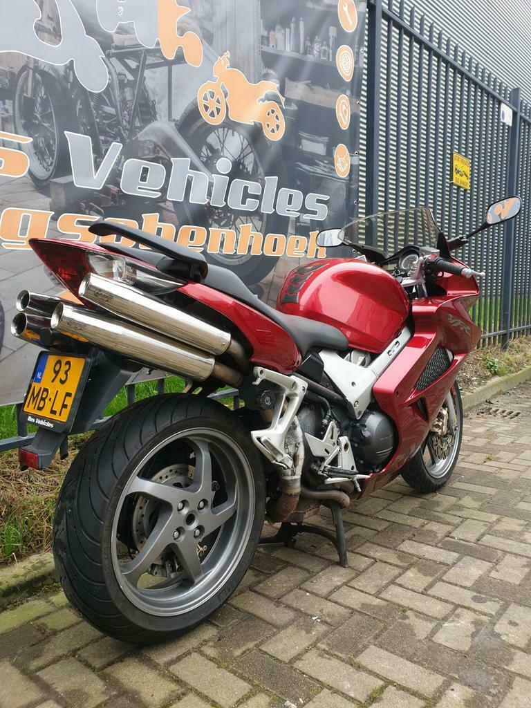 Honda VFR 800 A-6 ABS en Dual Combined Brake Systeem-4