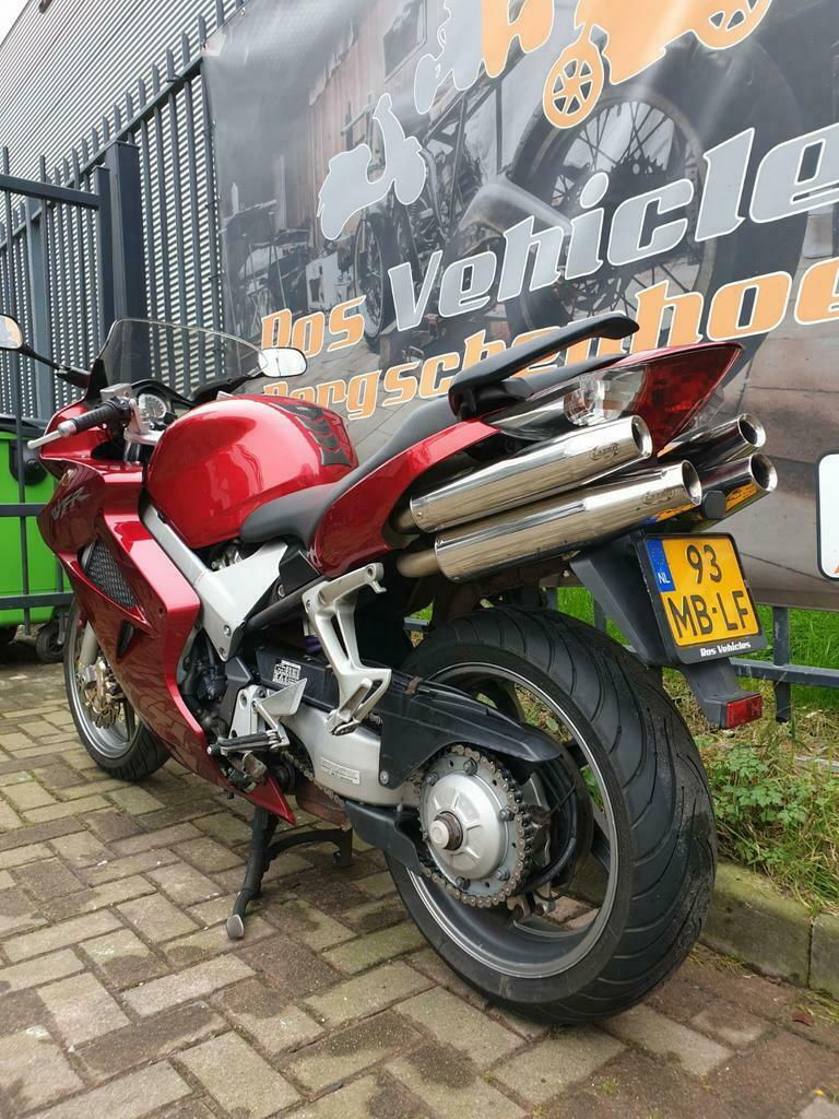 Honda VFR 800 A-6 ABS en Dual Combined Brake Systeem-5