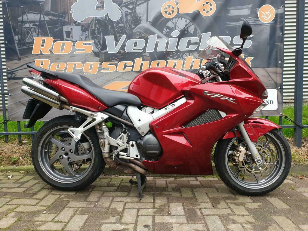 Honda VFR 800 A-6 ABS en Dual Combined Brake Systeem-6